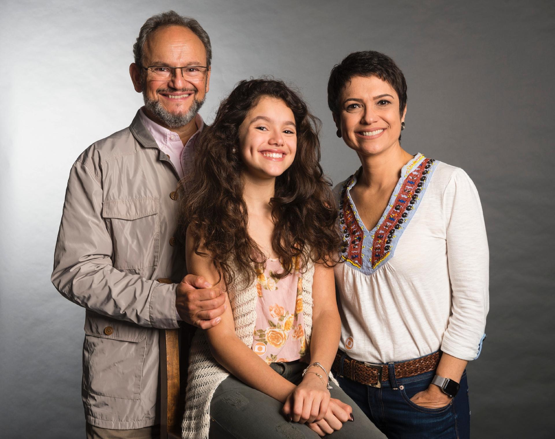 Ernesto Paglia, Sandra Annenberg e a filha Elisa (Foto: Divulgação/TV Globo)