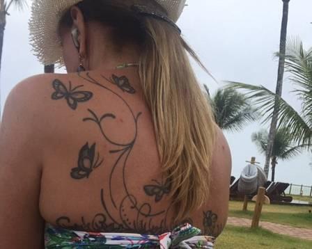Zilu Camargo e sua tatuagem (Imagem: Instagram)