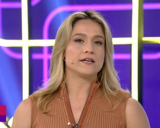 Fernanda Gentil no comando do Se Joga; apresentadora falou sobre a novela Amor de Mãe (Foto: Reprodução/Globo)