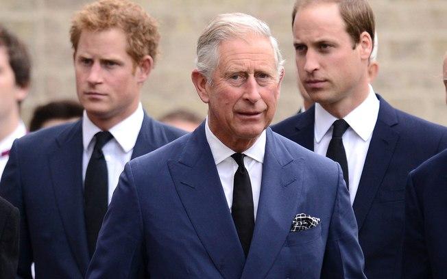 Charles continuará pagando a mesada de Harry após sua renuncia (Foto: Reprodução)