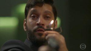 Armando Babaioff (Diogo) em cena de Bom Sucesso, que foi o maior ibope do dia na TV (Foto: Reprodução/Globo)