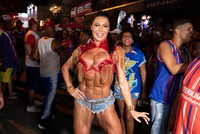 Gracyanne Barbosa no primeiro dia de ensaio de rua da Escola de Samba União da Ilha - Mauricio Pingo / AgNews