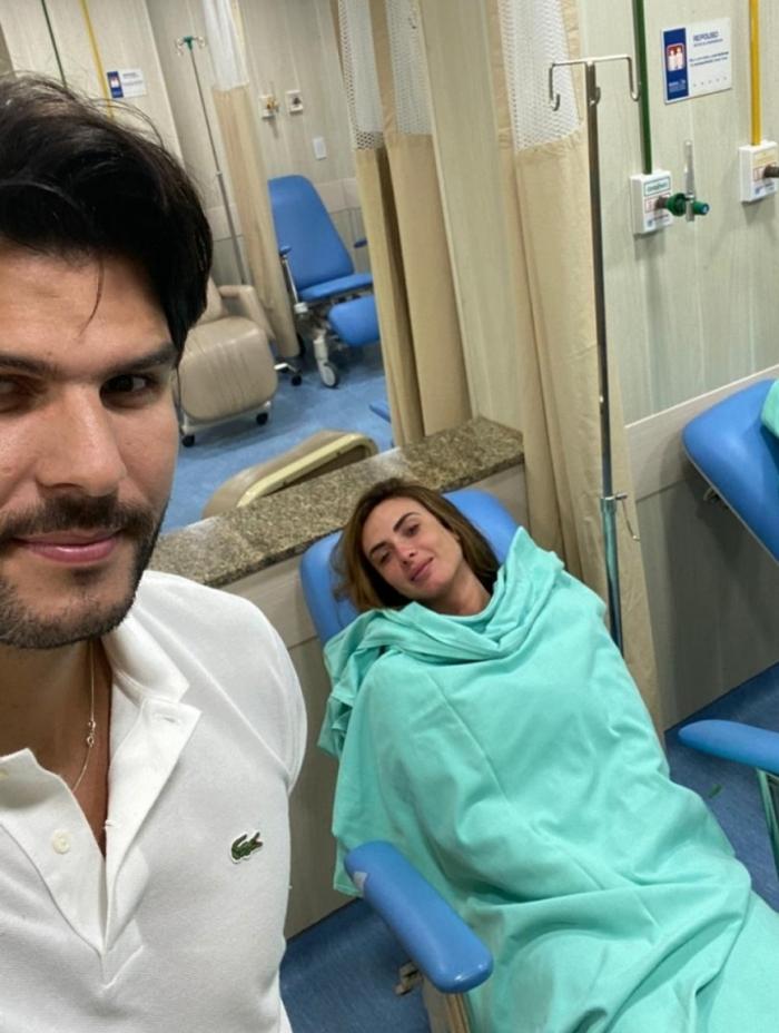 Urgente! Nicole Bahls dá entrada em hospital após forte crise durante gravação e imagem é divulgada