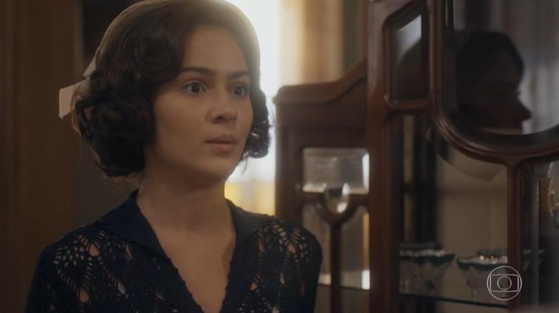Isabel (Giullia Buscacio) em cena de Éramos Seis (Foto: Reprodução/Globo)