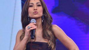 A apresentadora Sabrina Sato voltará à tela da Record - Foto: Reprodução