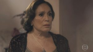 Emília (Susana Vieira) ficará horrorizada com passado em Éramos Seis (Foto: Reprodução/Globo)