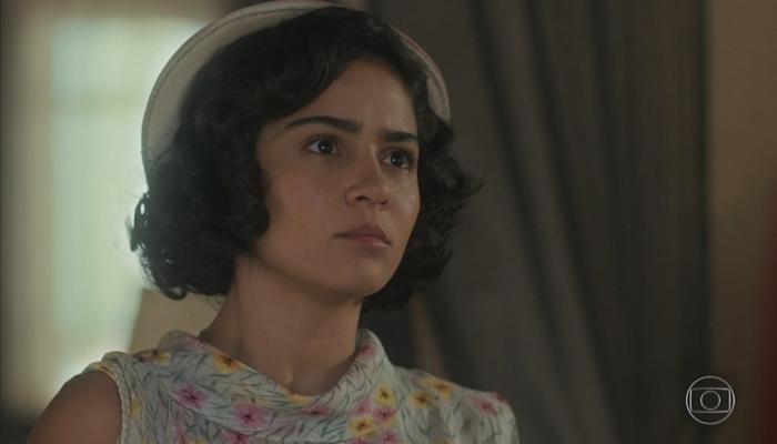 Isabel (Giullia Buscacio) segredo de Felício (Paulo Rocha) em Éramos Seis (Foto: Reprodução/Globo)