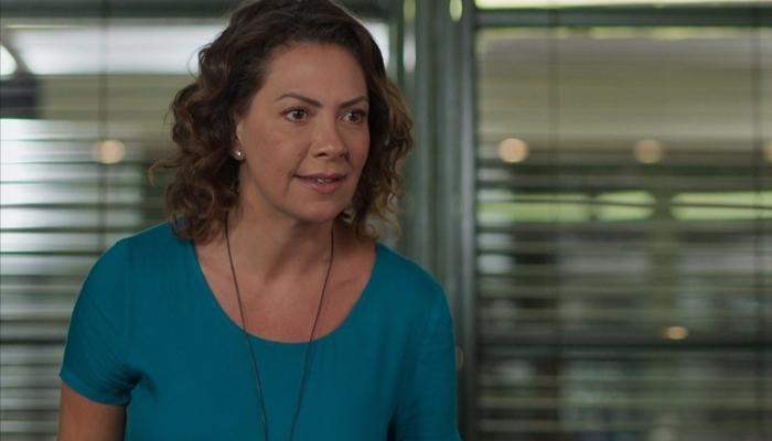 Nana (Fabiula Nascimento) revelará que Gisele espiona Diogo em Bom Sucesso (Foto: Reprodução/Globo)