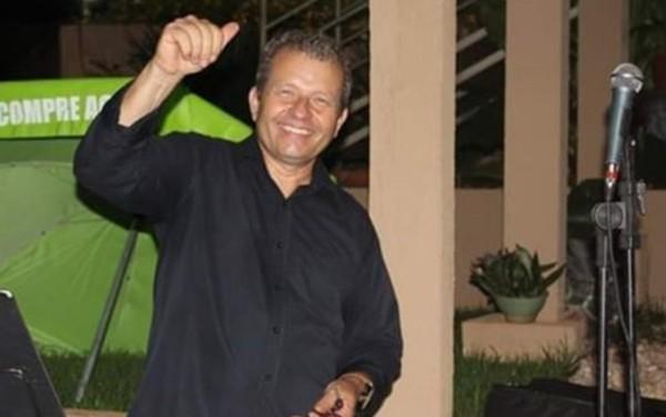 Agnaldo Moraes, cantor em Jataí — Foto- Reprodução:Facebook