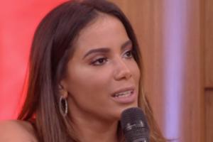 A cantora Anitta fez um protesto contra o uso de peles de animais para fazer roupas (Foto: Reprodução / Globo)