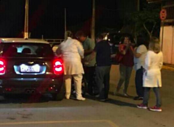 Tony Ramos deixa hospital na madrugada desta terça-feira, 7. Foto: Fábia Oliveira/ Bebeto Karolla