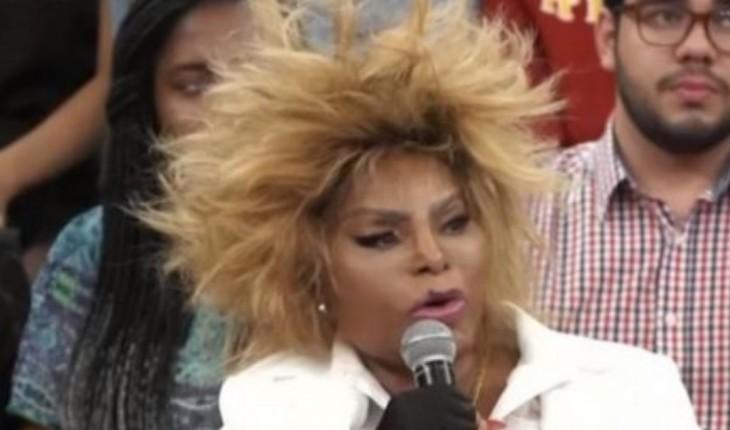Elza Soares não gostou de comentários feito por internauta em relação ao seu cabelo (Foto: Reprodução/TV Globo)