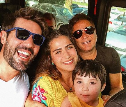 Sandro Pedroso, Jéssica Costa, Leonardo e seu filho Noah (Foto: Reprodução/Instagram)