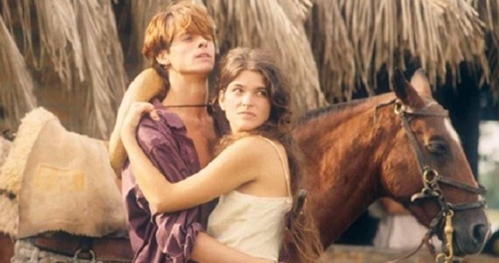 Marcos Winter e Cristiana Oliveira em cena de Pantanal. (Foto: Divulgação/TV Manchete)