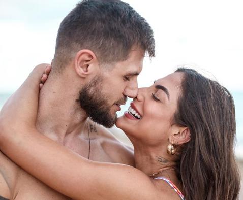 O ex-BBB Jonas Sulzbach é marido de Mari Gonzales, que está entre os novos participantes do Big Brother Brasil 20 (Foto: Reprodução)