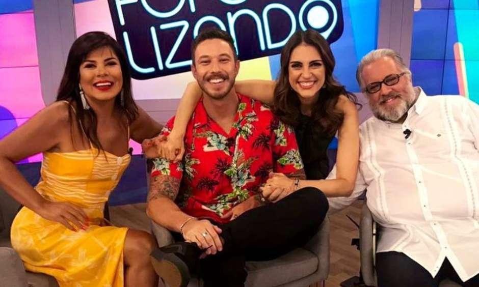 Mara Maravilha, Gabriel Cartolano, Leão Lobo e Chris Flores no sofá do Fofocalizando, do SBT (Foto: Reprodução/Instagram)