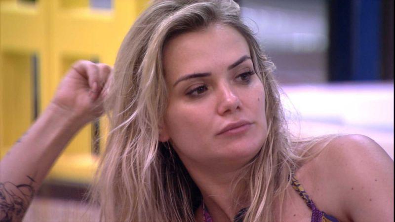 A famosa empresária e participante do Big Brother Brasil ou BBB 20, Marcela voltou a chamar atenção dos telespectadores ao mostrar sua indignação (Foto: Reprodução/Globoplay)