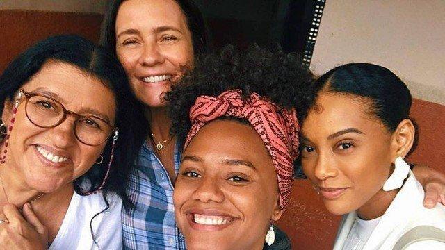 Taís Araujo, Regina Casé, Adriana Esteves e Jéssica Ellen, da Globo