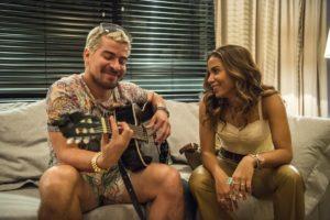 Ryan (Thiago Martins) e Sabrina (Anitta) em Amor de Mãe (Foto: Divulgação/Globo)