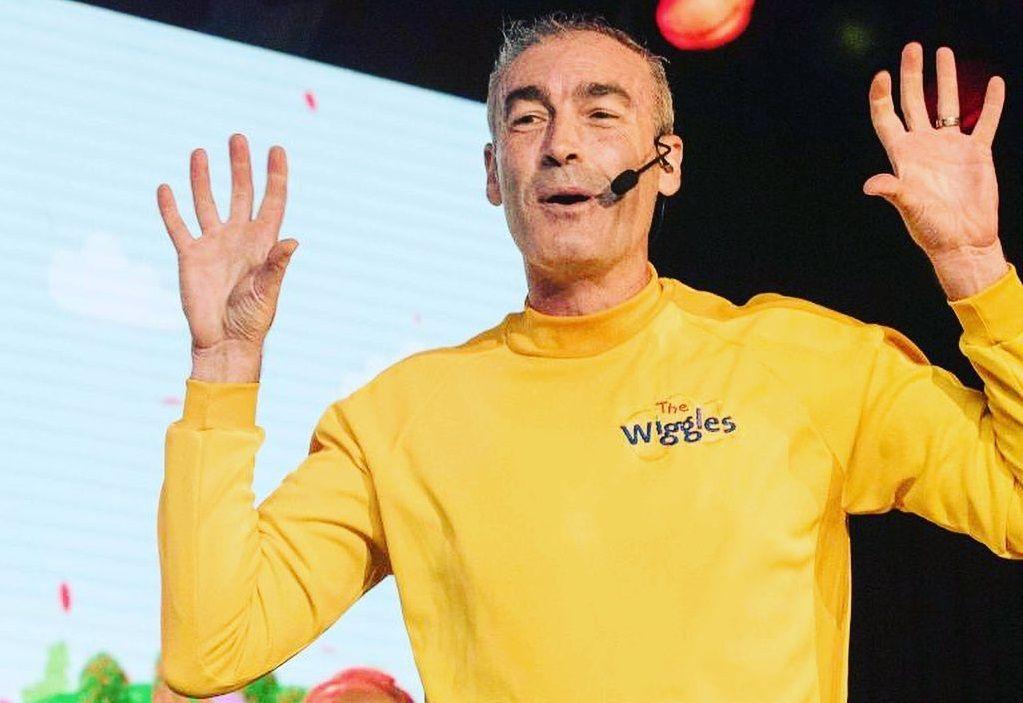 Yellow Wiggle sofreu uma parada cardíaca durante realização de show (Foto: Reprodução)