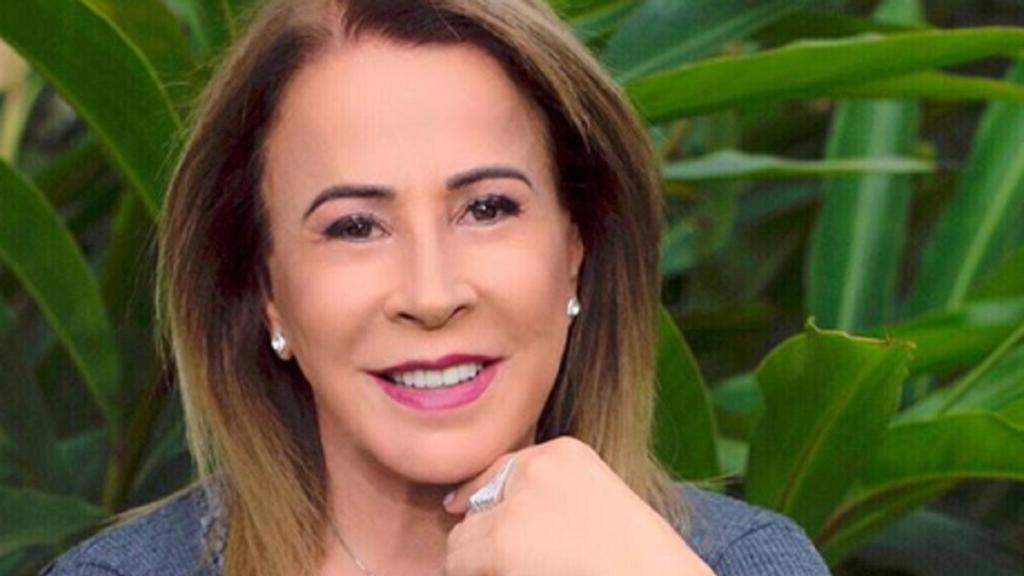 A famosa empresária e ex-mulher de Zezé Di Camargo, Zilu Godoi voltou a agitar a internet ao aparecer em clique sensual nas redes sociais (Foto: Reprodução/Instagram)