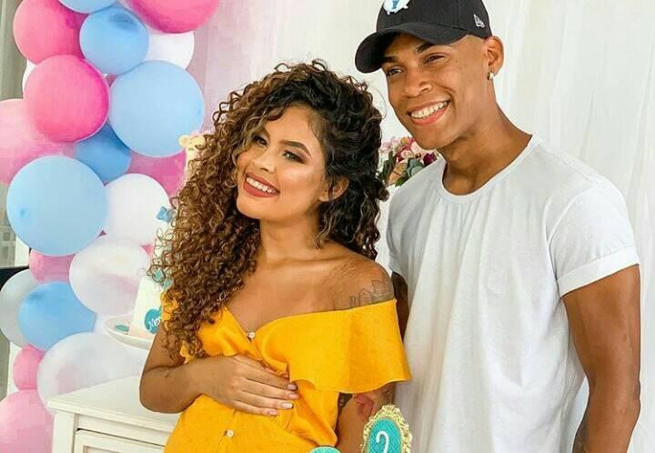Digital influencer, Abner Pinheiro, desaparece após ser pego pela namorada em casa com outra e família se desespera