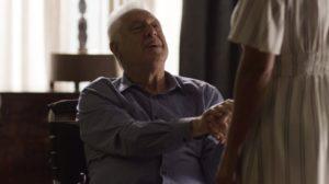 Alberto (Antonio Fagundes) em cena do penúltimo capítulo de Bom Sucesso (Foto: Reprodução/Globo)