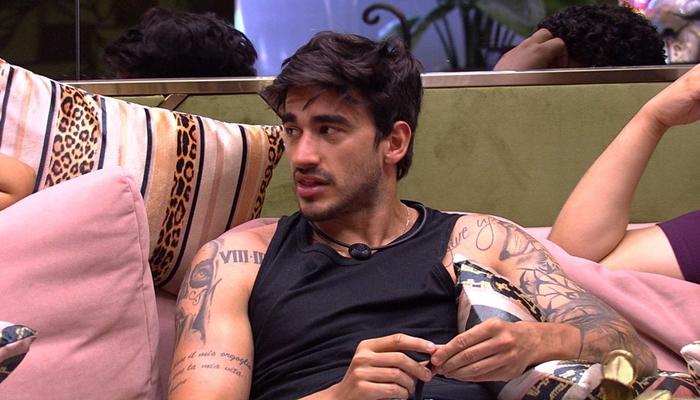 Guilherme revelou no BBB20 momentos que viveu com as cantoras Anitta e Ludmilla (Foto: Reprodução/BBB)