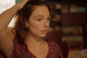 Betina fica em choque com segredo revelado na novela Amor de Mãe
