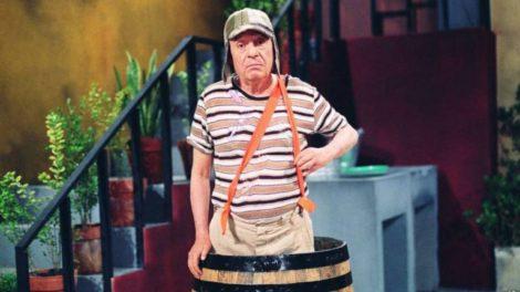 Roberto Bolaños caracterizado como Chaves, o seu mais conhecido personagem (foto: divulgação/Televisa)