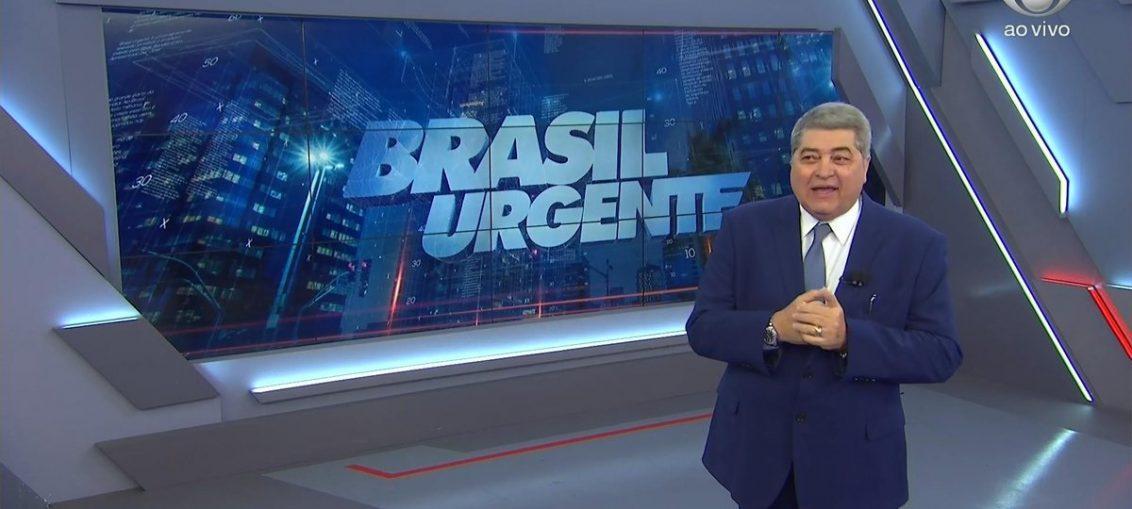 José Luiz Datena posa no estúdio do Brasil Urgente (foto: reprodução/Band)