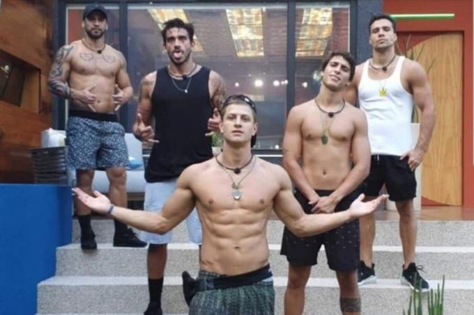 Os participantes do 'BBB, da esquerda para a direita, Hadson, Guilherme, Lucas, Felipe e Petrix: machistas unidos Globo/Reprodução