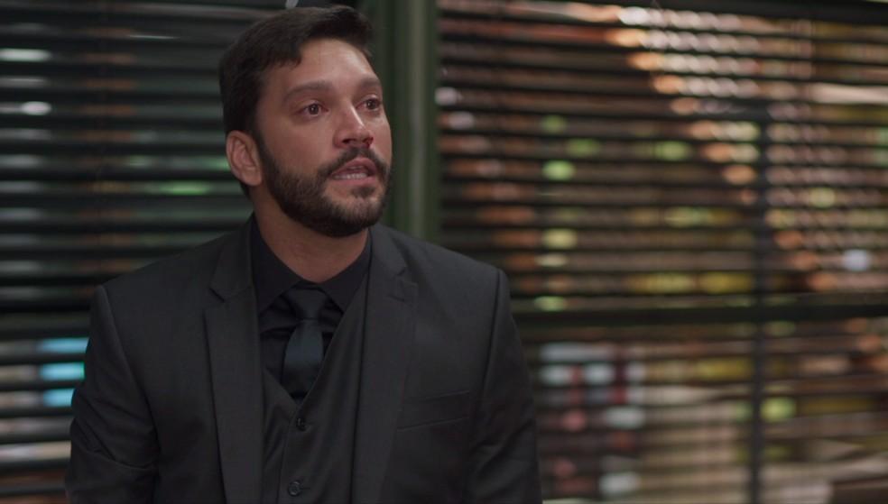 Diogo em cena da novela das 19h, Bom Sucesso (Foto: Reprodução)