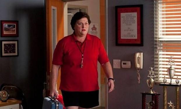 Dot Jones como Shannon Beiste em cena de Glee (Foto: Reprodução )