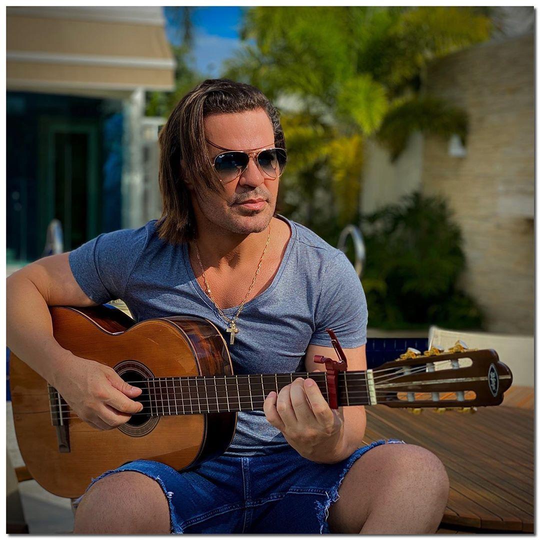 O famoso cantor sertanejo, Eduardo Costa voltou a casar polêmica mais uma vez ao decidir mudar o visual após críticas (Foto: Reprodução/Instagram)