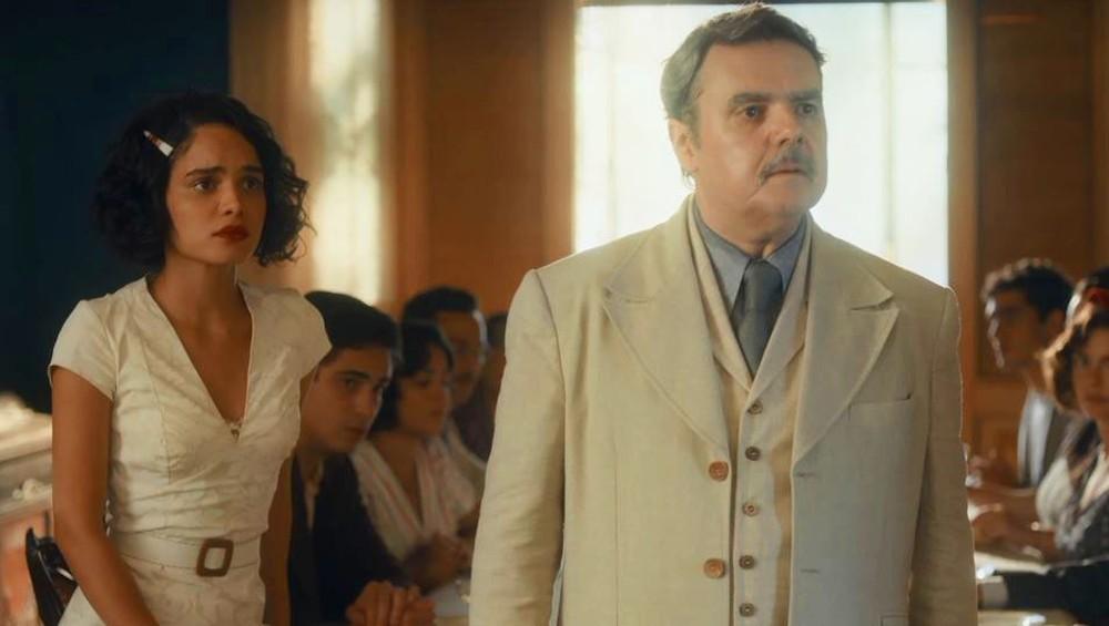 Inês e Afonso ficam apreensivos com a volta de Shirley em cena de Éramos Seis