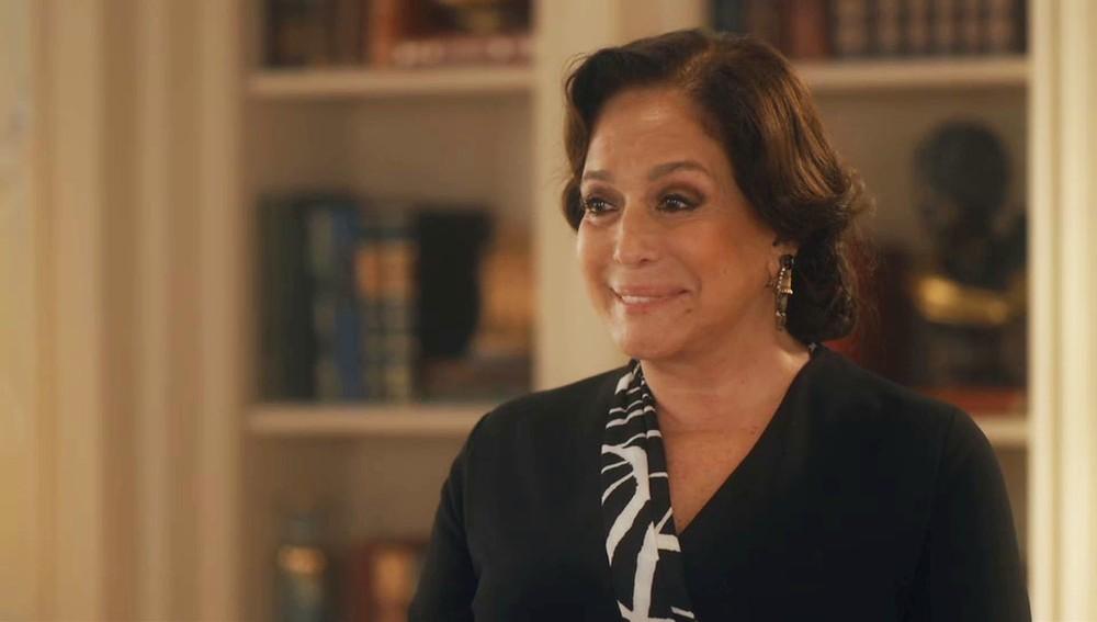 Emília (Susana Vieira) na novela Éramos Seis