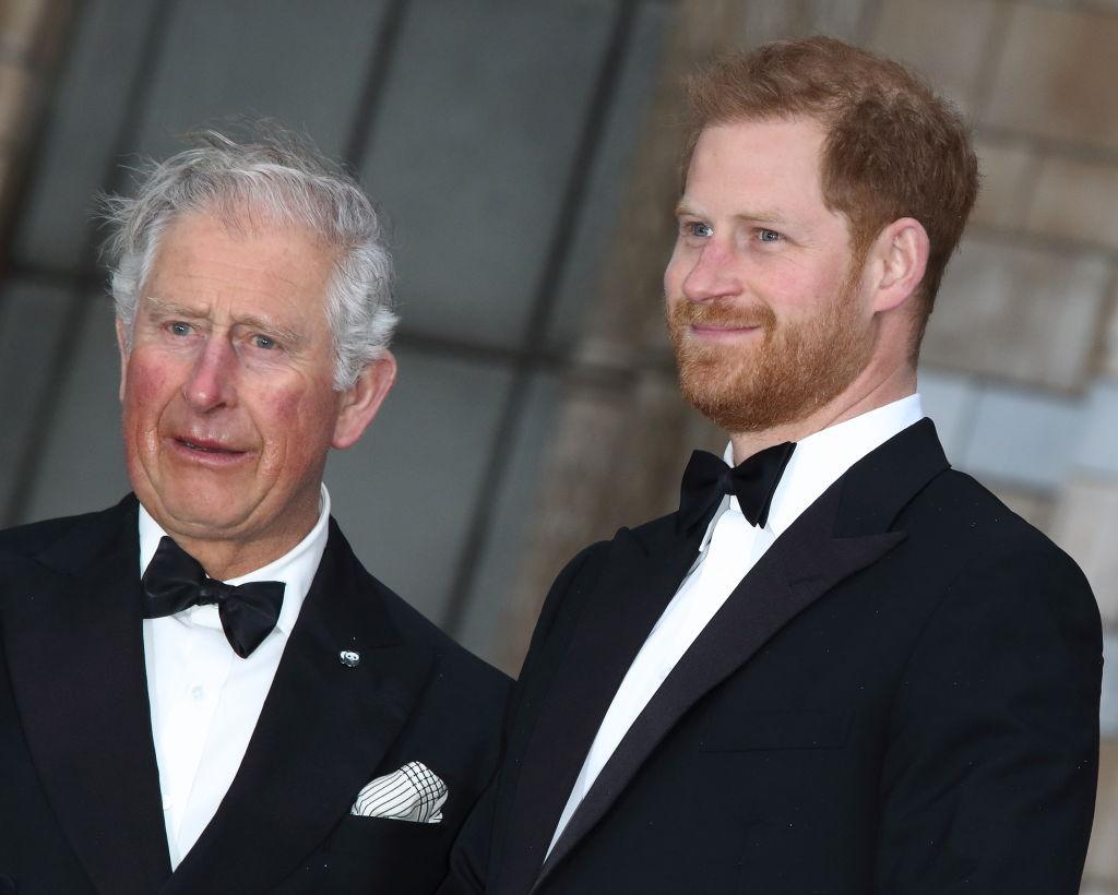 """Após renuncia de Harry as funções da realeza, príncipe Charles ameaça cortar sua """"mesada""""(Foto: Reprodução)"""