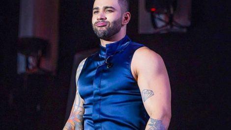 Gusttavo Lima não deixou influencers assistir seu show de cima do palco (Foto: Reprodução)