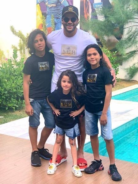 Hulk passou o Natal com os filhos Ian, Thiago e Alice. Foto: Reprodução