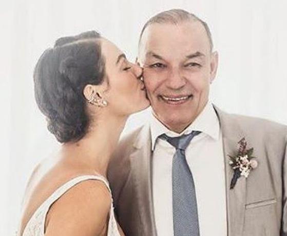 Isis Valverde posta texto emocionante sobre o pai que morreu (Foto: Reprodução)