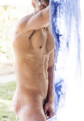 Antes da estreia do BBB 18, internautas descobriram fotos de nudez de Lucas Fernandes (Reprodução: Internet)