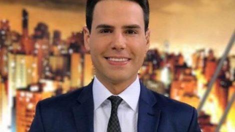 O apresentador Luiz Bacci comanda o Em Nome da Justiça, na Record - Foto: Reprodução