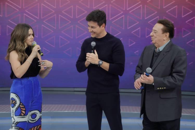 Rodrigo Faro se encontrou com Raul Gil no palco do Hora do Faro e a reprise explodiu na audiência (Foto: Reprodução)