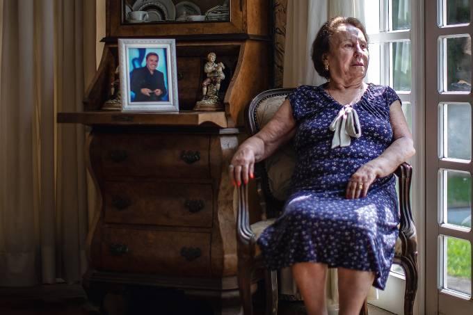 """LAMENTO - Maria do Céu, a mãe: """"Fiquei revoltada, mas Deus vai me dar forças"""" Jonne Roriz/VEJA"""