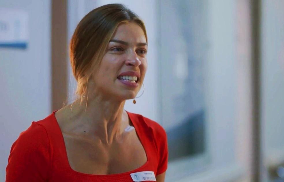 Grazi Massafera foi flagrada gritando com a filha, Sofia (Foto: Reprodução/Globo)