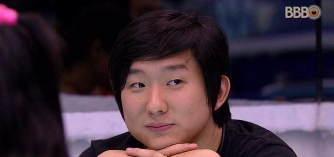 Pyong Lee levou punição no BBB20 (Foto: Reprodução)
