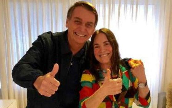 globo O presidente Jair Bolsonaro ao lado da atriz Regina Duarte - Foto: Reprodução