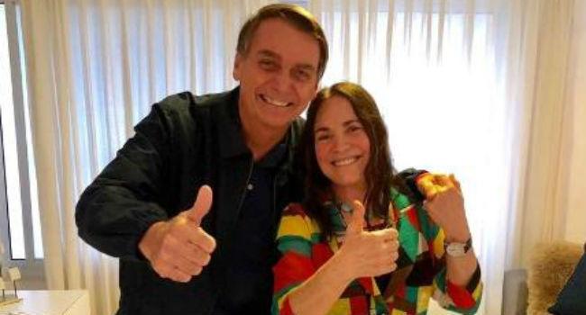 O presidente Jair Bolsonaro ao lado da atriz Regina Duarte - Foto: Reprodução