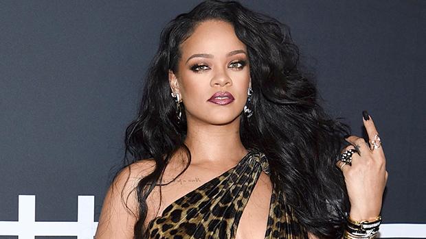 Rihanna posa sua campanha de lingerie e arranca suspiros dos fãs com fotos sensuais (Foto: Reprodução)